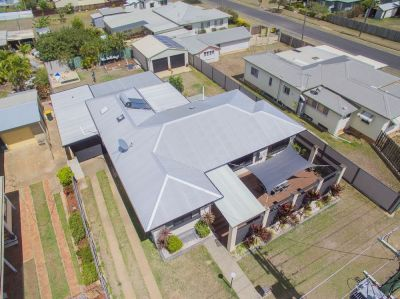 LARGE BRICK ENTERTAINER FULLY RENOVATED WITH SOLAR + 4 CAR ACCOM!
