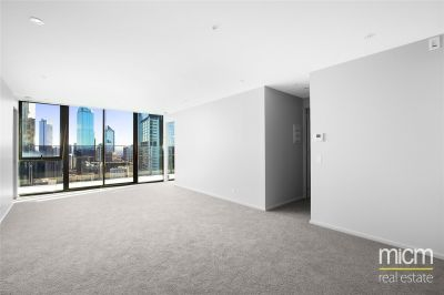 Southbank Grand: Bright and Spacious Two Bedroom Apartment!