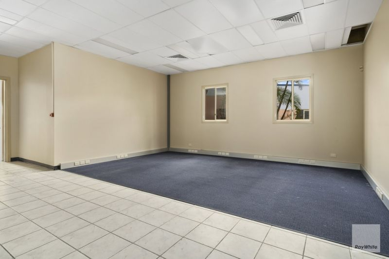 Office Opportunity in Central Morayfield