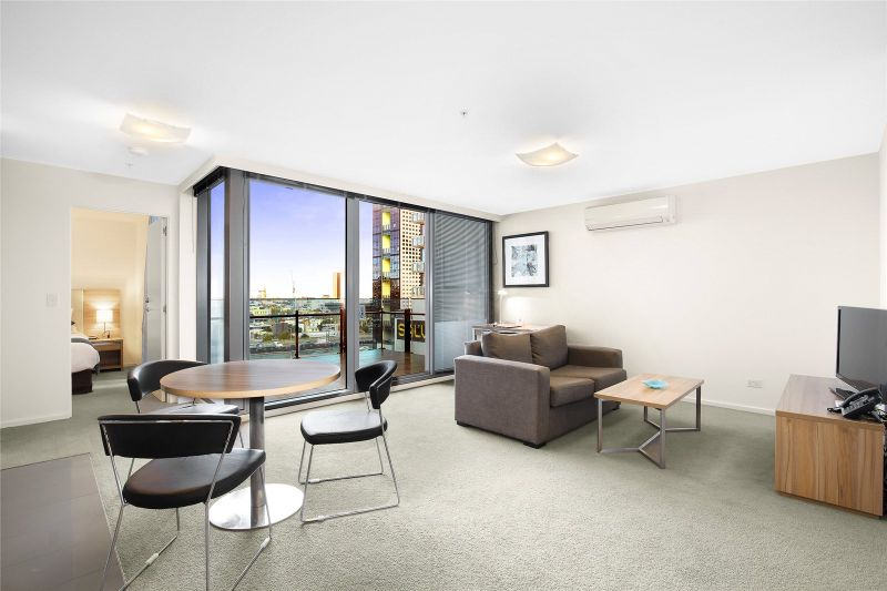 Mainpoint: 11th Floor - Don't Wait to Inspect this Stunning Property!