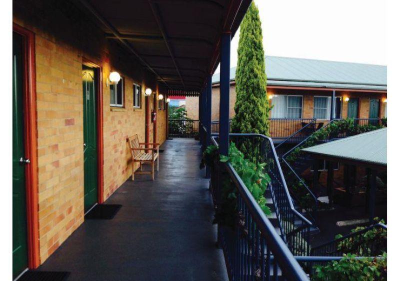 Established Low Maintenance Leasehold Motel - Stanthorpe, Qld