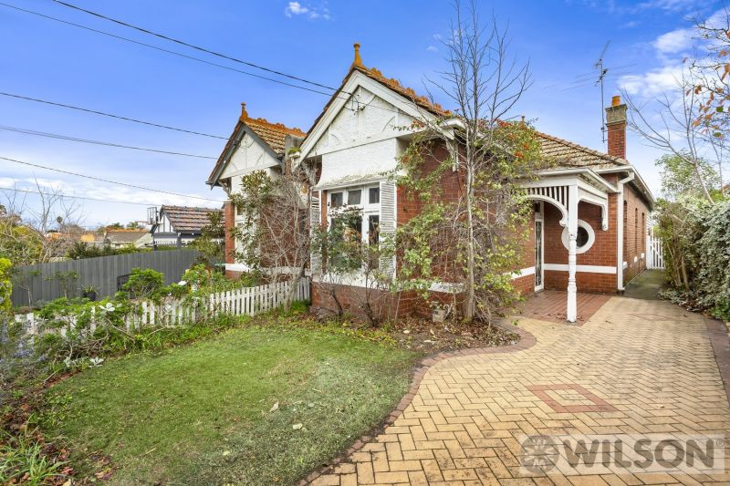 4 Downshire Road, Elsternwick