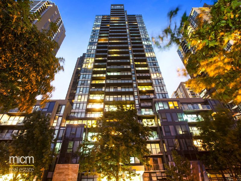Victoria Tower: 14th Floor - Stunning and Spacious Three Bedroom Apartment!
