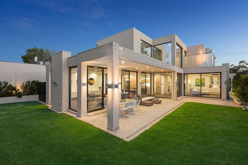 Stunning Architecturally Designed Family Residence