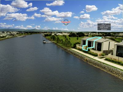 Best value waterfront townhouse in Hope Island