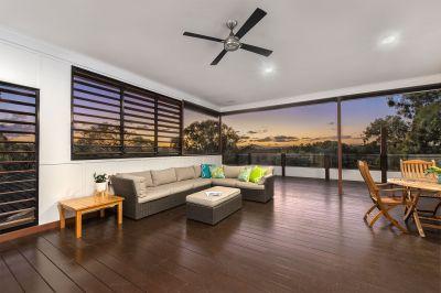 Stunning, Prestige Home In Prime Location