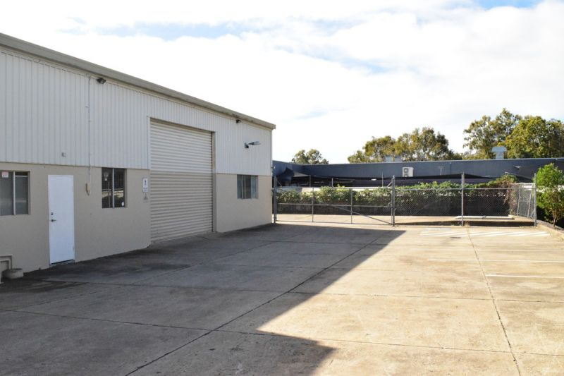 336m²* Warehouse With 300m²* Of Fenced Hard Stand Backing Onto Southport Nerang Road
