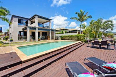 A Slice of North Facing Waterfront Paradise!