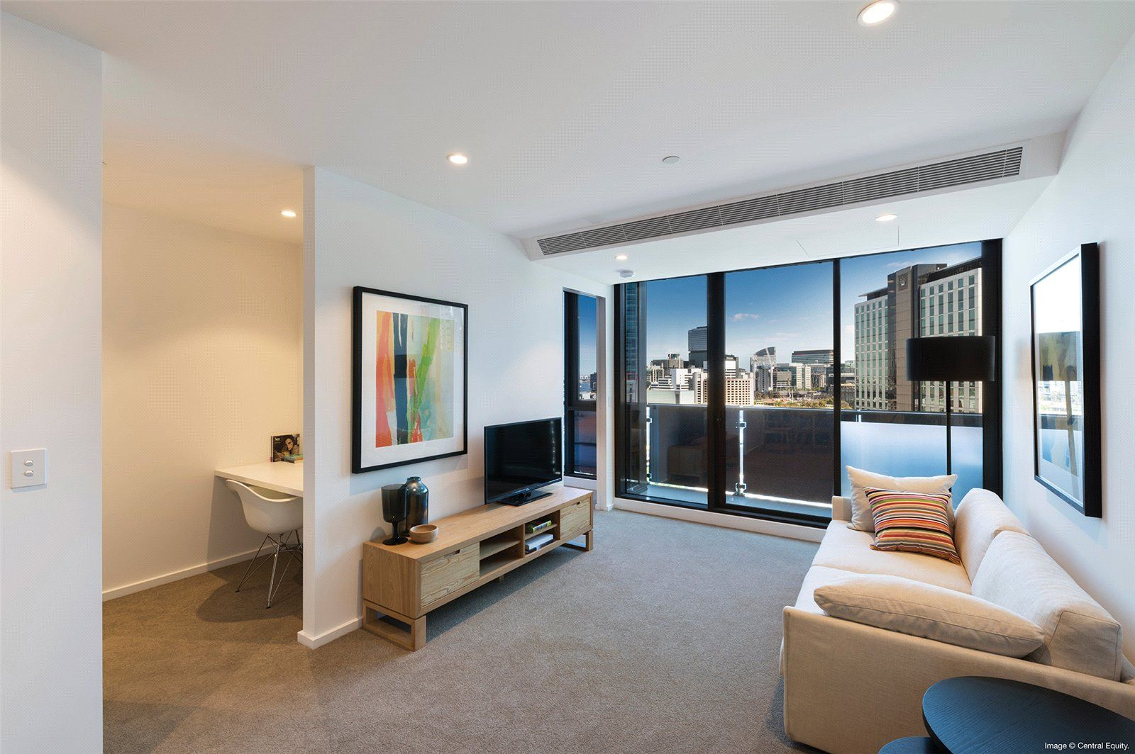 Southbank Central: Stunning Two Bedroom Apartment with Everything at Doorstep!
