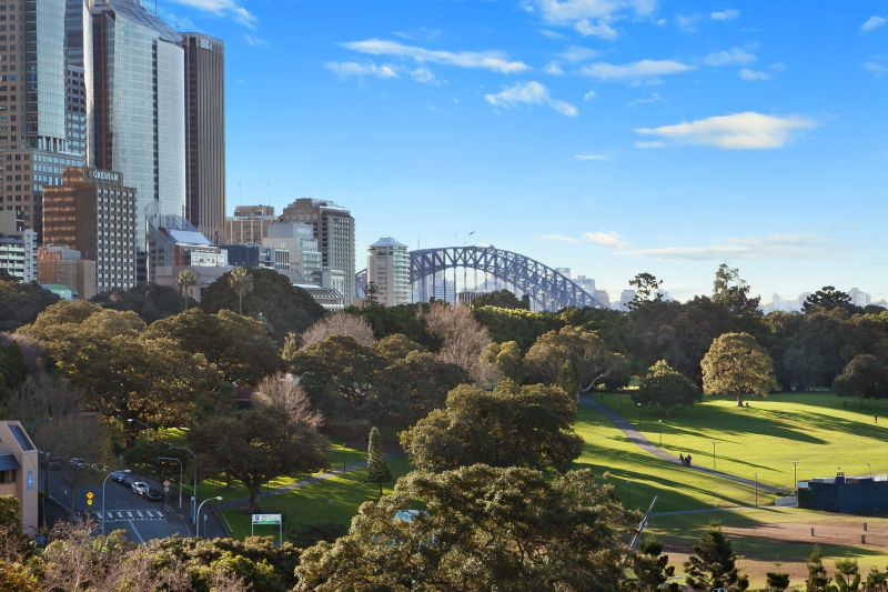 Luxurious two bedroom apartment in heart of Sydney