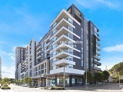 Bright & Modern Apartment with Parking in 'Green Square', Zetland