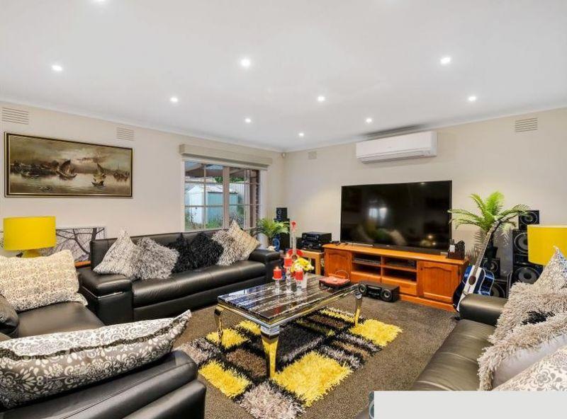 Private Rentals: 4 Rearden Close, Endeavour Hills, VIC 3802
