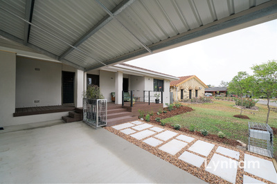 Executive Style Family Home In Riverside Location
