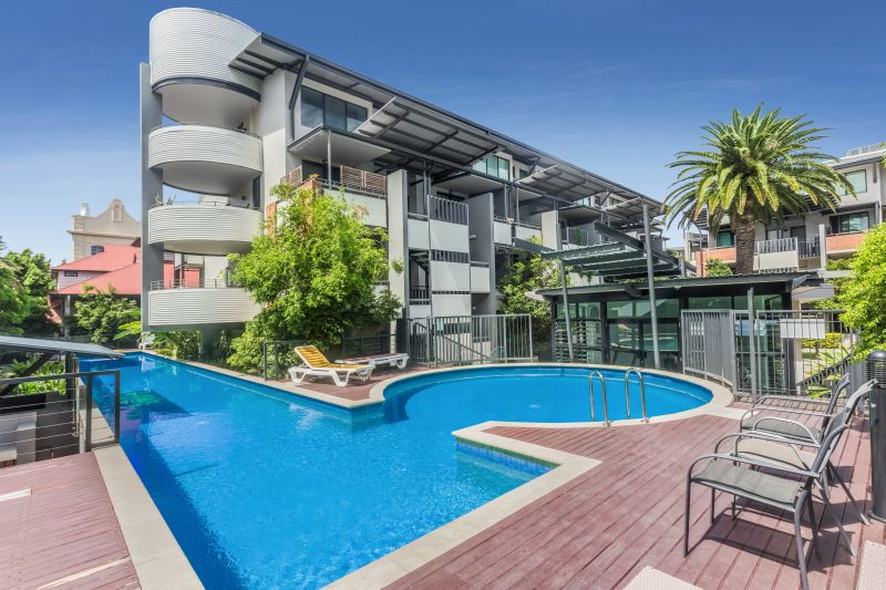 Quiet - Perfect One Bed with Air-con & Close to Pool!>