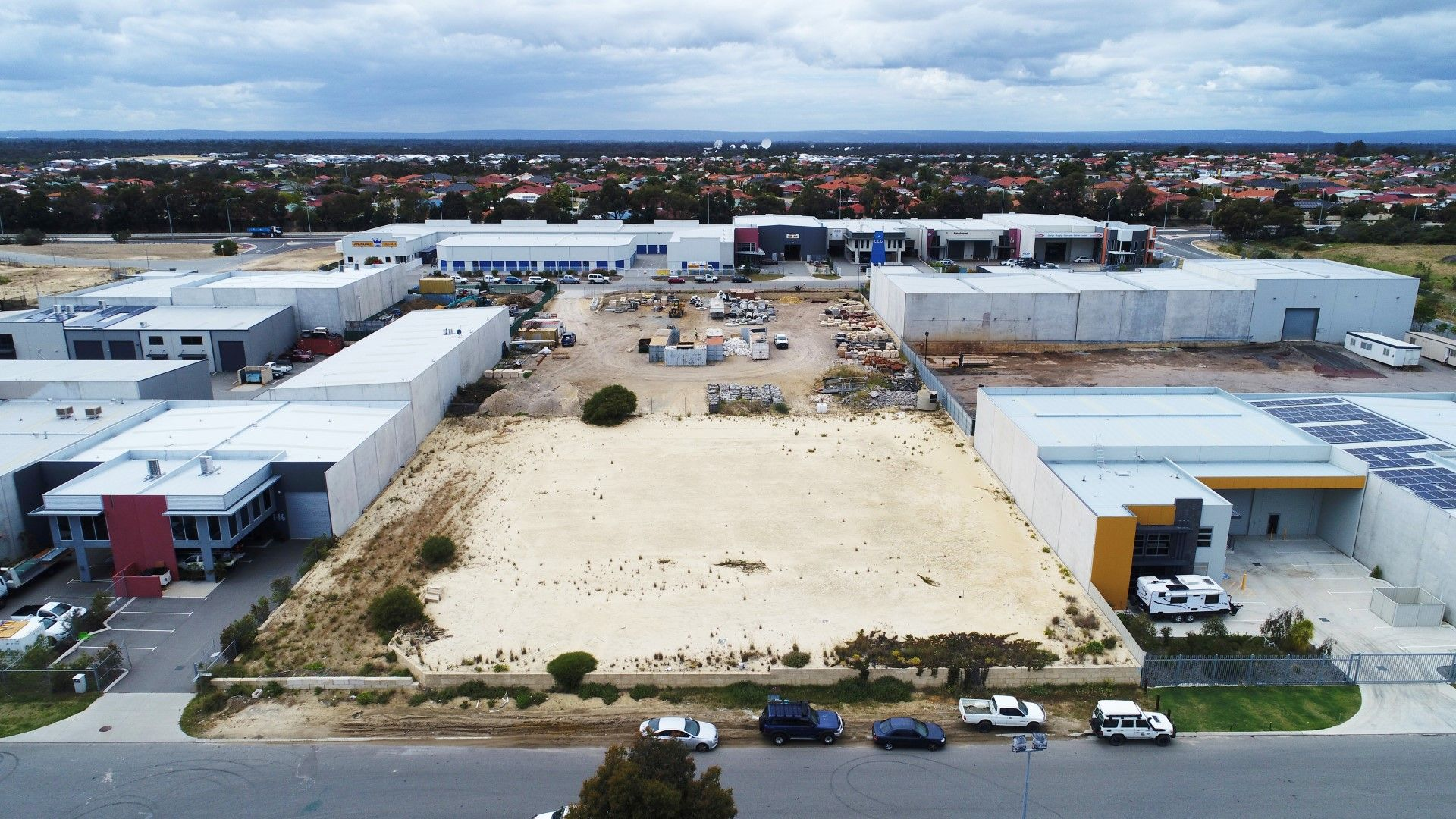 INDUSTRIAL LOT - DUAL STREET FRONTAGE