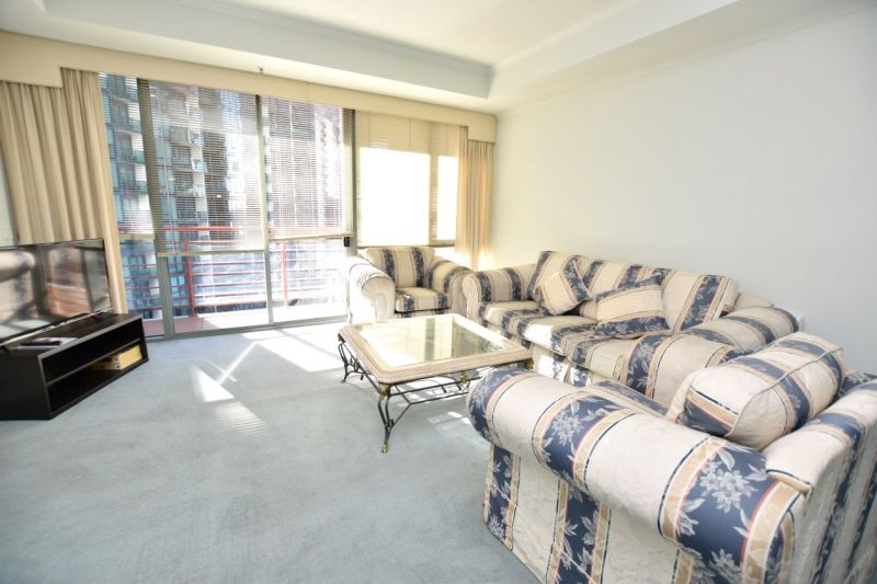 Southbank Towers: Furnished Apartment in the Perfect Location!