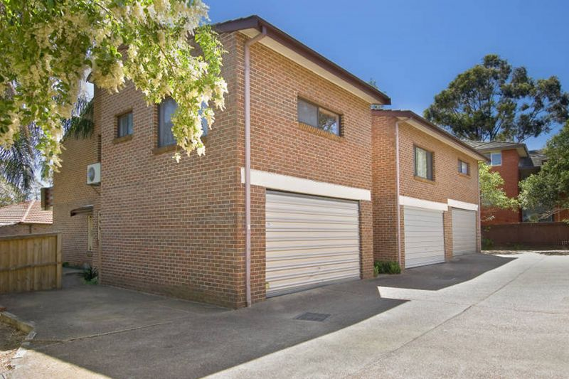Immaculate & Spacious Townhouse