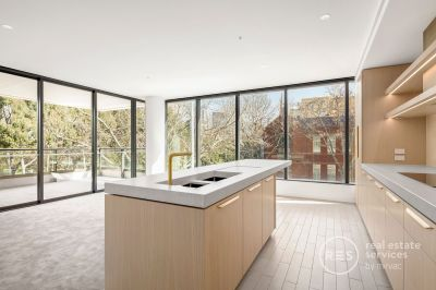 3 bedroom apartment plus study with Fitzroy garden views
