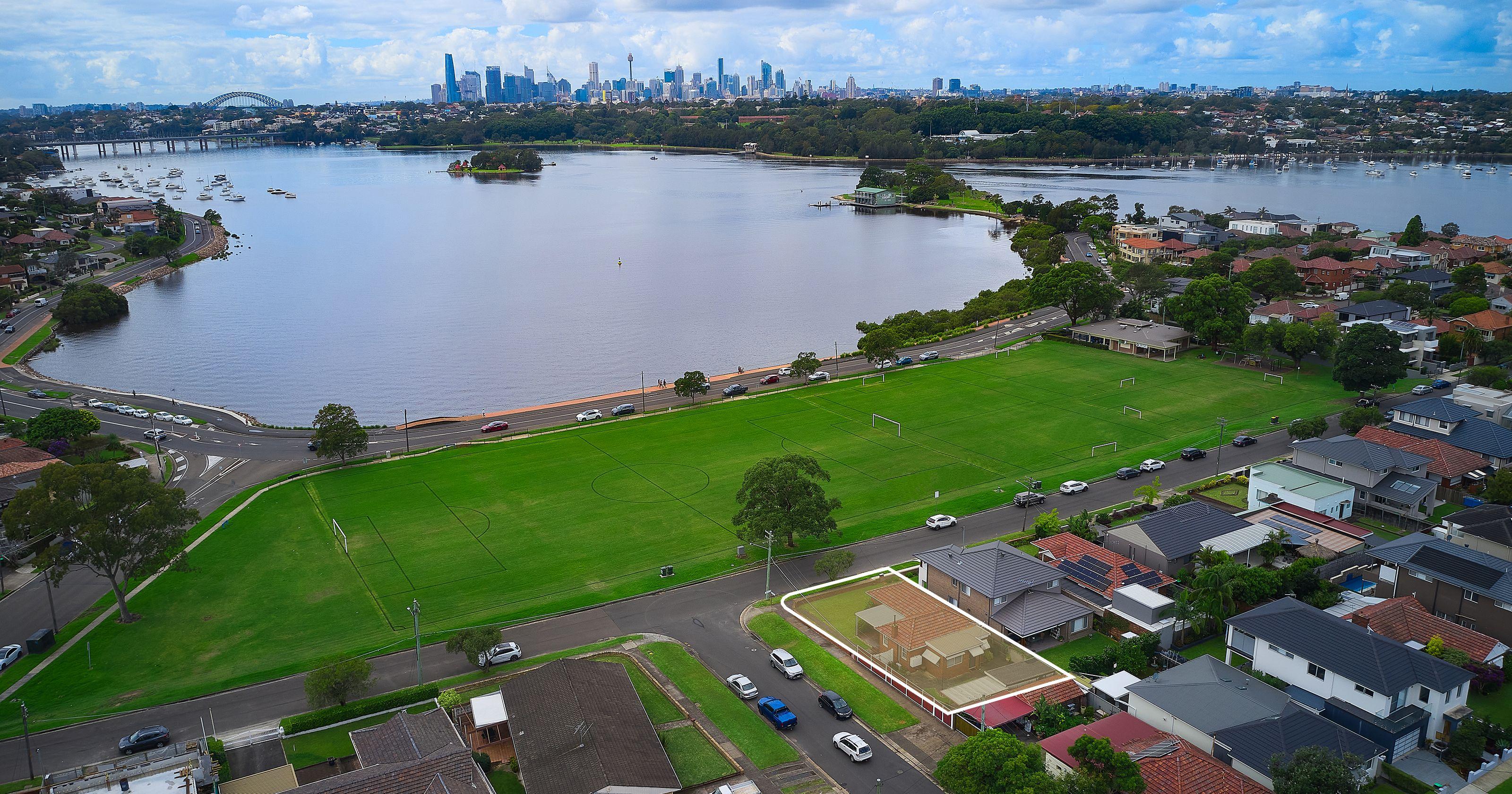 43 Nield Avenue, Rodd Point NSW 2046
