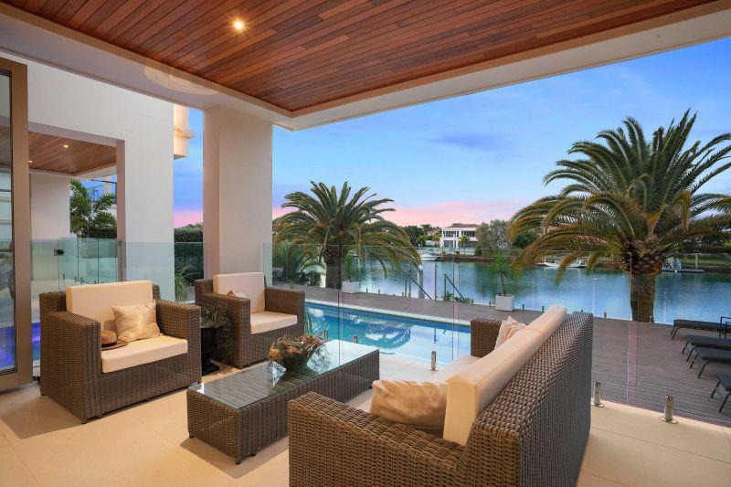 Opulent Hope Island Luxury