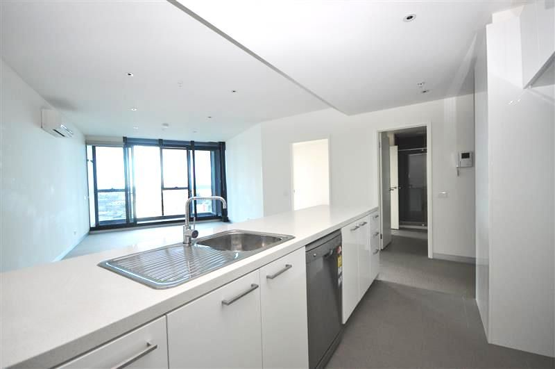 High Rise Two Bedroom with Gorgeous Views in The Bank - Inspect 7 days!