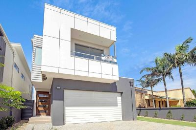 Armstrong real estate agent team kirra gold coast qld for 3 drayton terrace mermaid waters