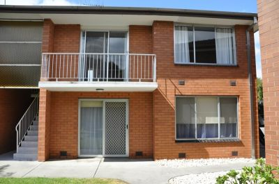 TWO BEDROOM UNIT, WITH SPACIOUS LIVING & GREAT LOCATION