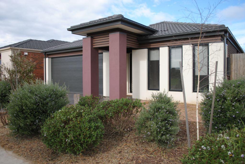 Parkside Abode in Featherbrook Estate!