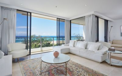 BEACHFRONT LIFESTYLE APARTMENT IN EXCLUSIVE BROADBEACH COMPLEX, ECLIPSE
