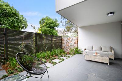 Luxury ground-floor apartment in the esteemed 'Evergreen' development