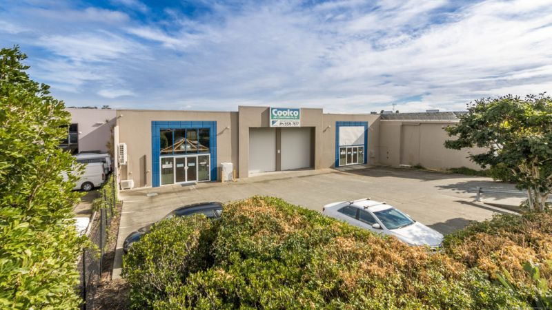 Industrial Factory Available For Lease