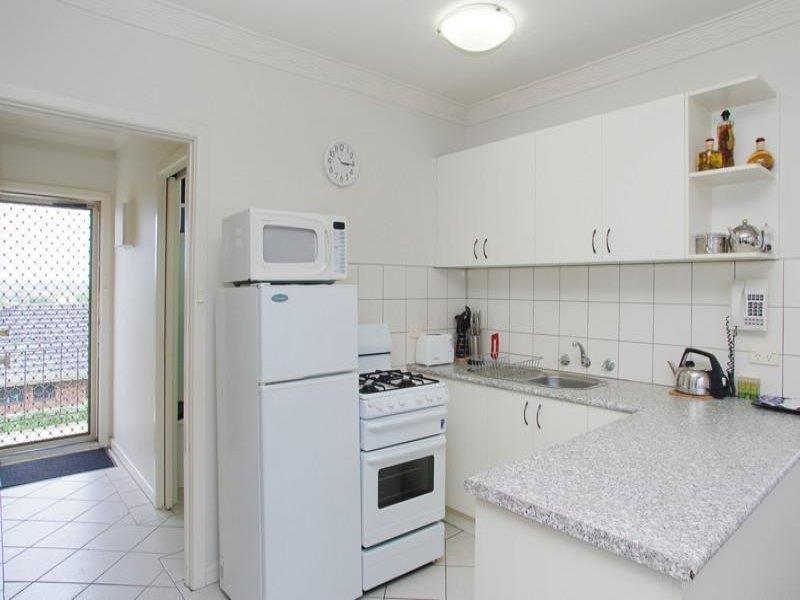 2/90 McKillop Street Geelong