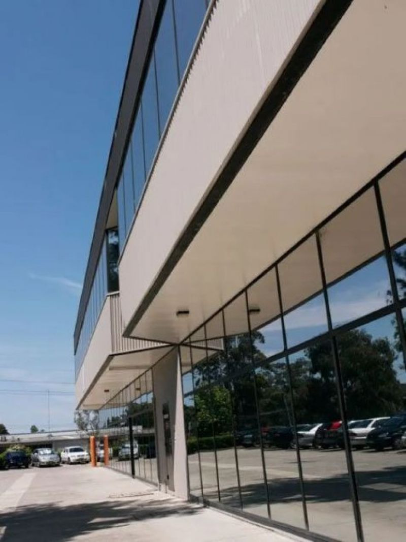 Flexible Industrial Commercial Unit in Well Managed Estate