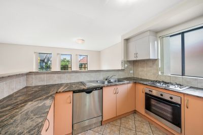 Pet Friendly - Spacious Three Bedroom Townhouse