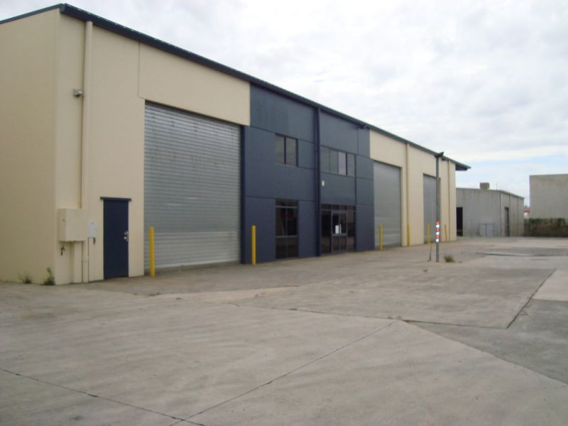 Stand Alone Warehouse with Hardstand and Wash Bay