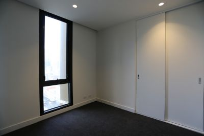 Empire: BRAND NEW One Bedroom in the Heart of Melbourne!