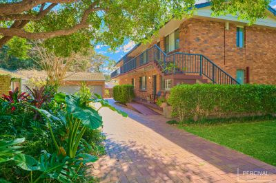 GORGEOUS FURNISHED APARTMENT NEAR SHELLY BEACH!