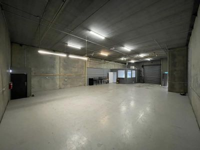 BOUTIQUE OFFICE WITH WAREHOUSE IN THE HEART OF SOUTH MELBOURNE