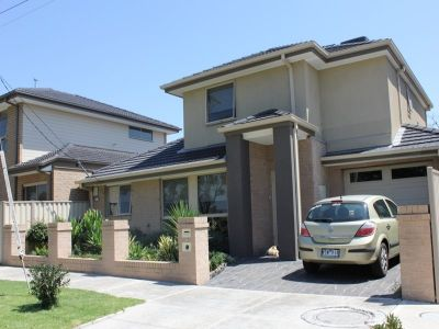 FANTASTIC TOWNHOUSE WITH PARKLANDS AT YOUR DOORSTEP
