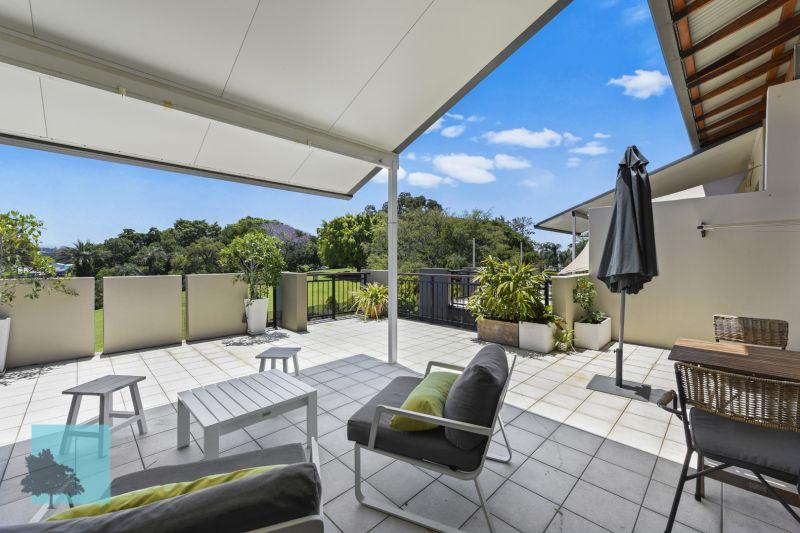 Exclusive top level apartment - Huge balcony - Stunning outlook>
