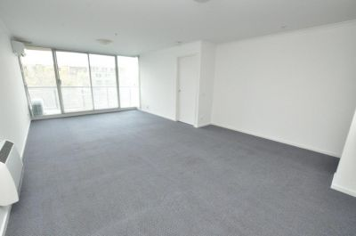 The Promenade: 4th Floor - Stunning Views Over St Kilda Rd!
