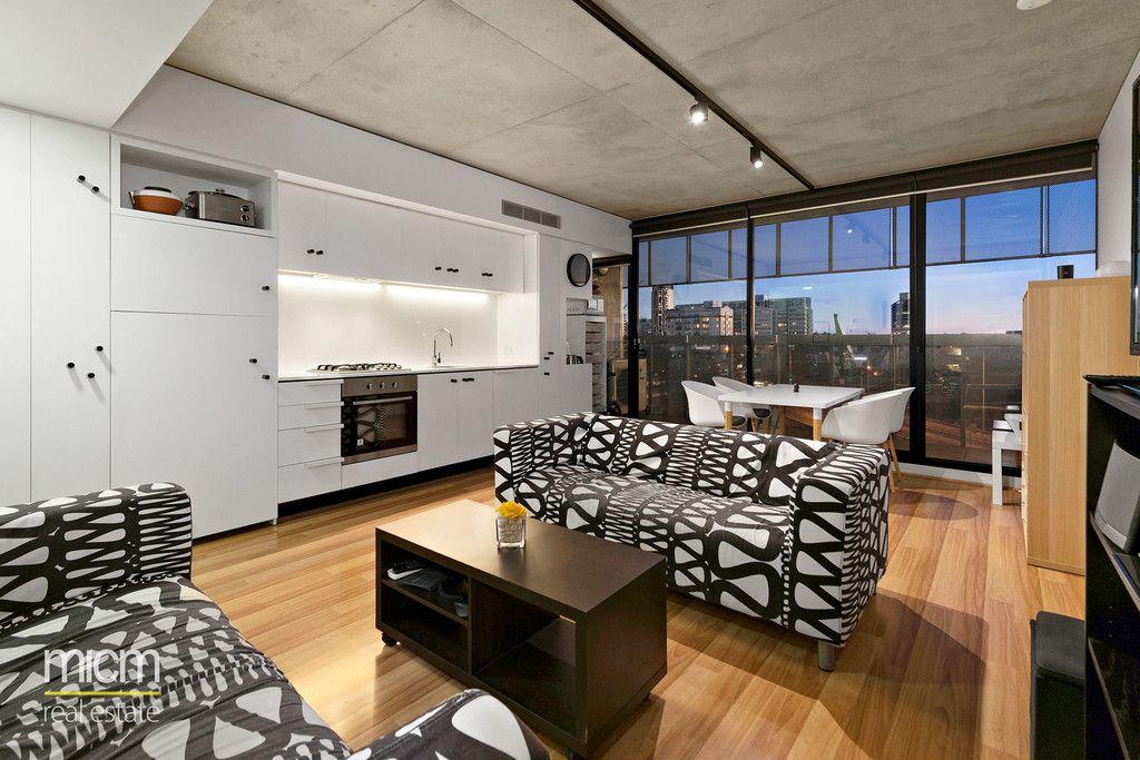 Luxury Designer Detail with Spacious Indoor-Outdoor Appeal