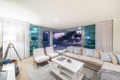 Investor Says Sell - Stunning Corner Apartment with Extra Family Room