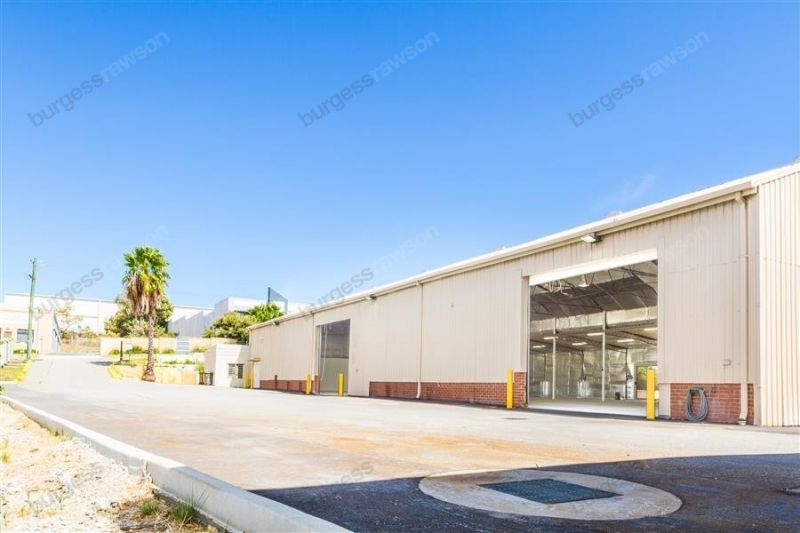 Value! Office/Warehouse with Hardstand