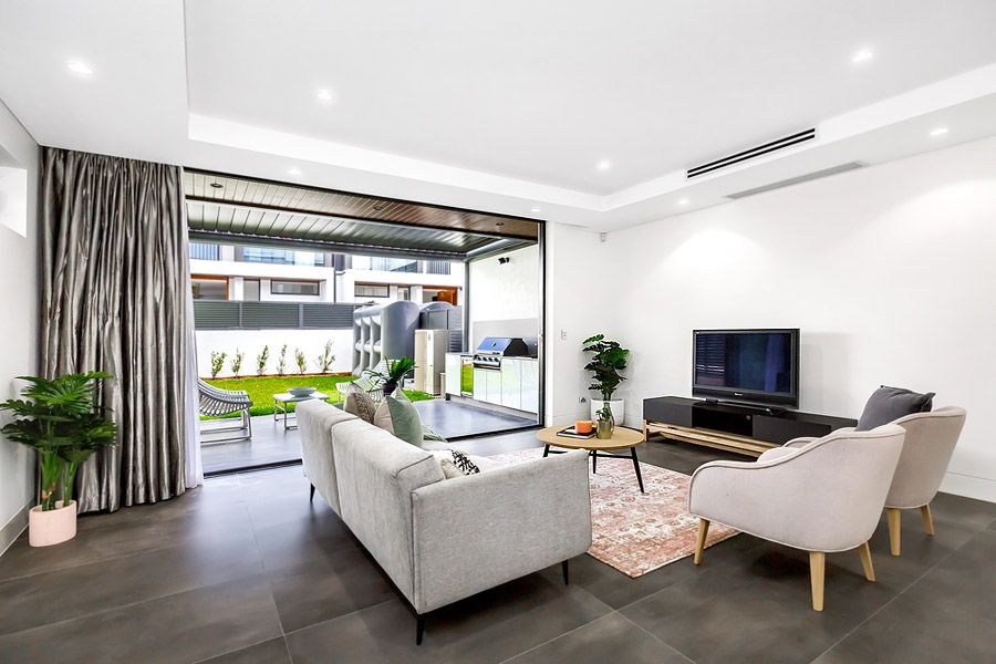1/10B Burns Crescent, Chiswick