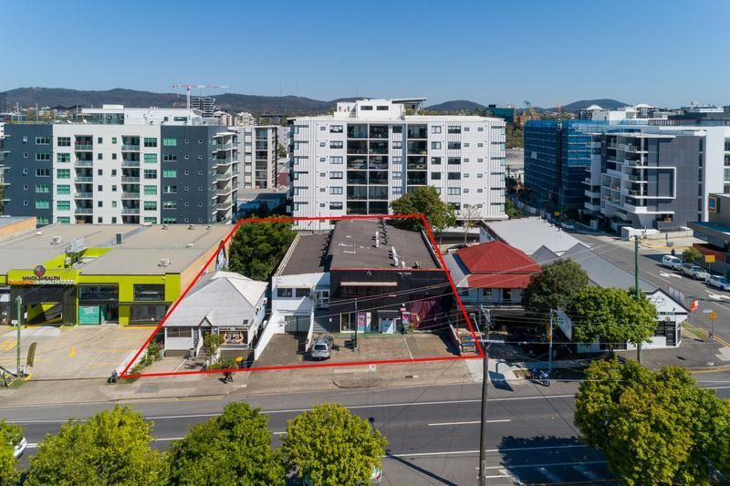 Developers and Owner Occupiers - Buy One or Both!