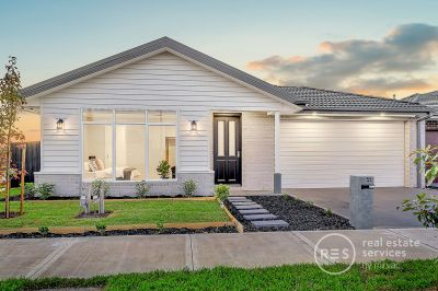*Book now for your private inspection or video/Facetime tour* Bright and luxurious new home in the Olivine estate