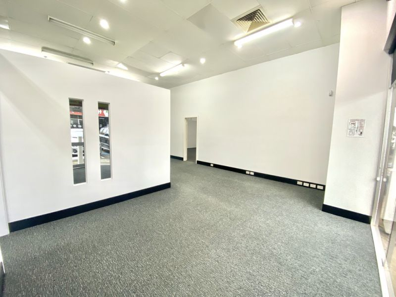 156m2* Retail/Office With Exposure To M1