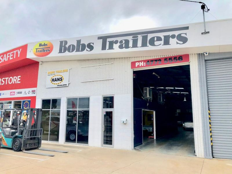 Locate your business here on busy Ingham Road
