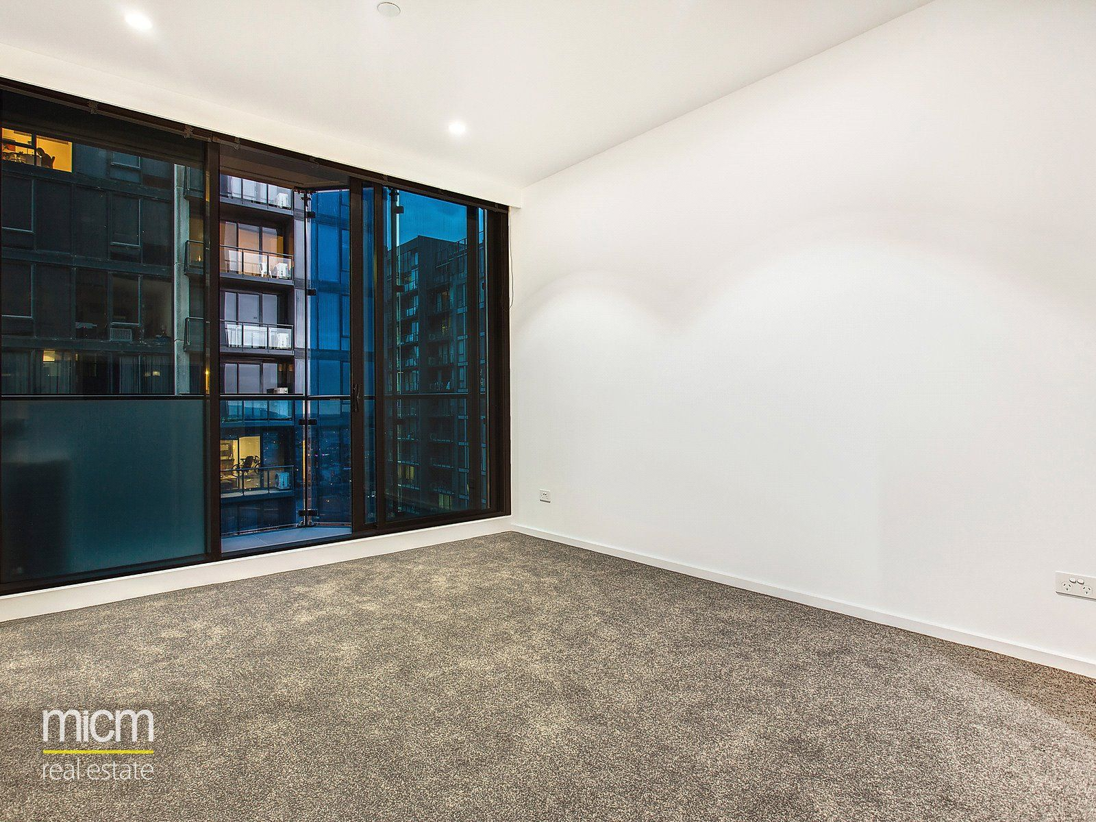 Gorgeous Two Bedroom Apartment in Southbank Central Awaits!
